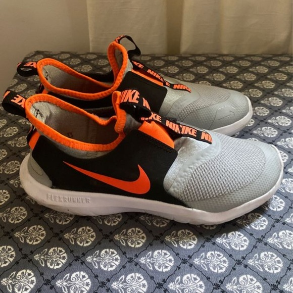 Nike Shoes   Boys Shoe Size 15 Youth